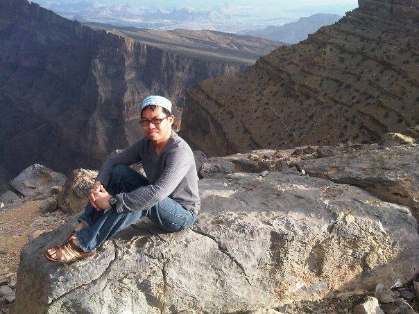 Di ujung tebing, Jabel al-Shams, Oman 2011